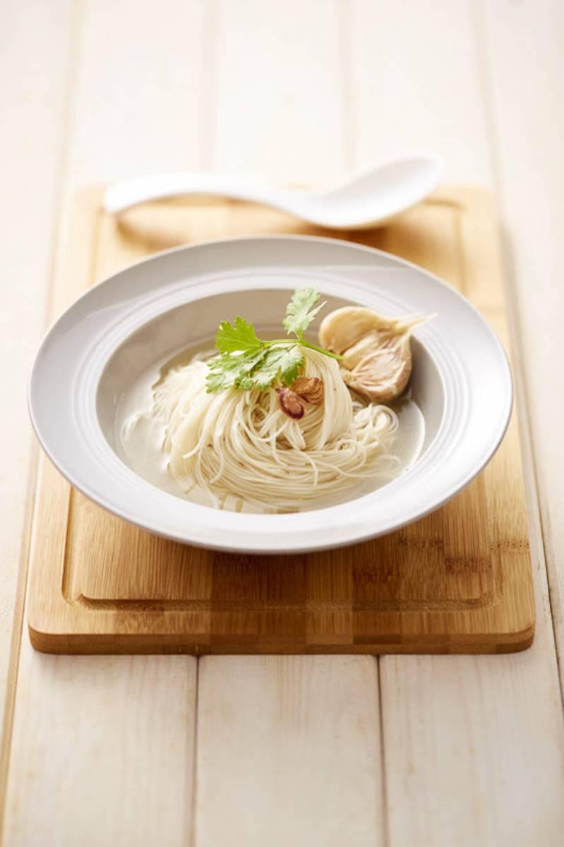 Mee-sua-soup
