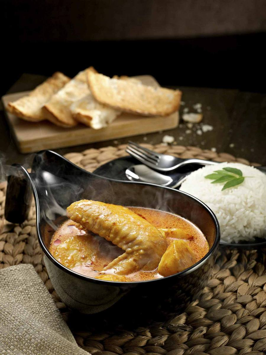 Owl-Curry-Chicken-Food-Photography-Singapore